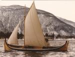 2 1/2 roms Nordlandsbåt med sneseil